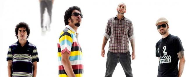 Los Sebosos Postizos é o projeto paralelo que nasceu de parte da Nação Zumbi. Foto: Divulgação.